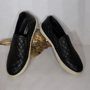 Steve Madden Quilted Slip On Loafer Size 9
